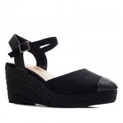 Sieviešu platformas sandales ar slēgtu purngalu AM5435