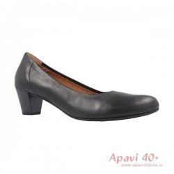 Sieviešu kurpes uz vidēja papēža 66.180.57