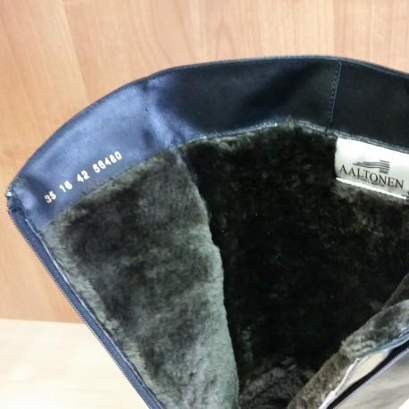 Melni plati zamšādas ziemas zābaki ar dabīgu aitādu 56480