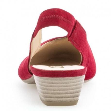 Sarkanas zamšādas sandales ar slēgtu purngalu Gabor 25.630.15