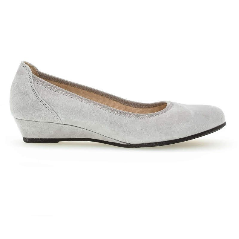 Women's grey suede shoes Gabor 42.690