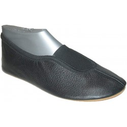Black leather dancing or gym slippers 151622