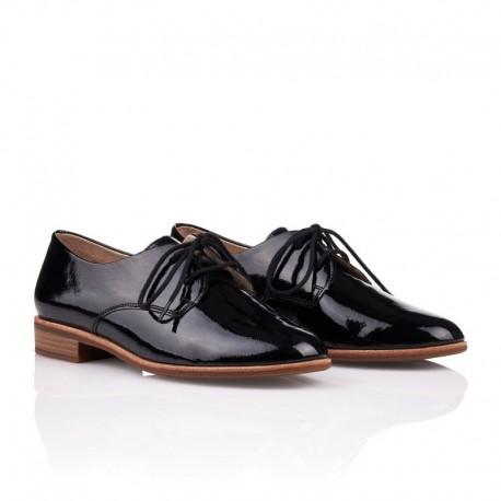 Lielas šņorējamas sieviešu kurpes – oksfordi Remonte R2801-02